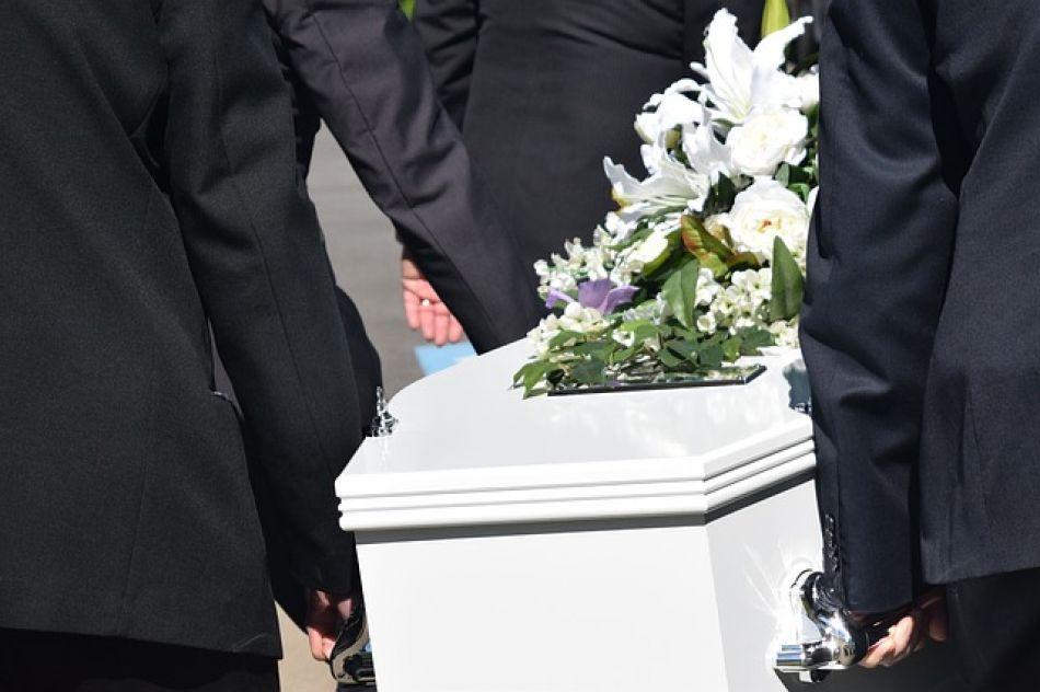¡Quéeeee! Mujer muerta da a luz en Sudáfrica