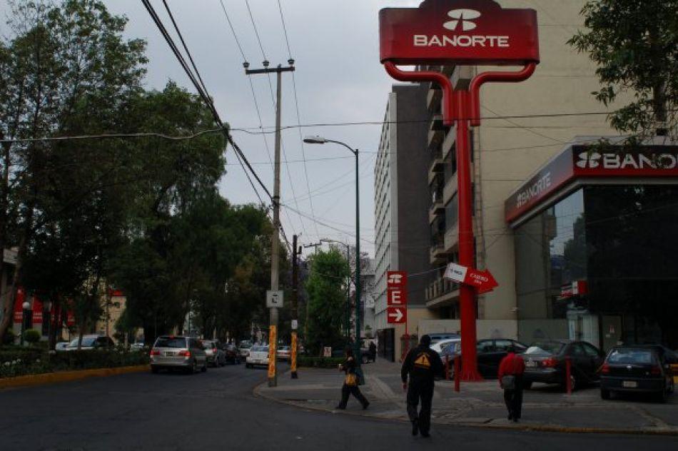 Fusion de Grupo Interacciones-Banorte deja a 362 empleados fuera