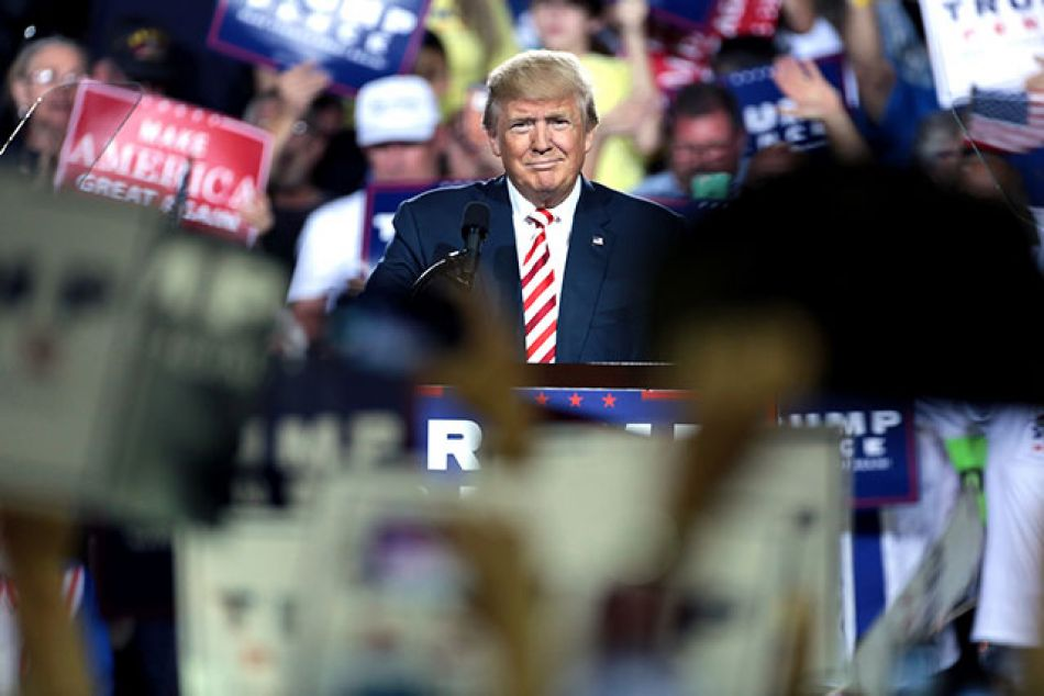 Donald Trump incrementa un 10% los aranceles a los productos chinos